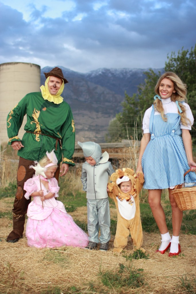 wizard-of-oz-family-theme-costumes
