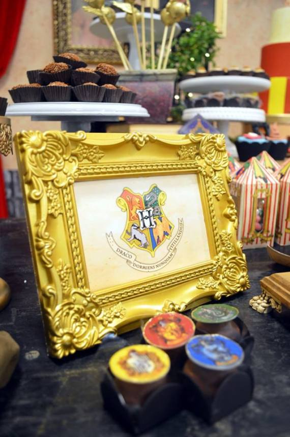 Mystical-Harry-Potter-Birthday-Party-Golden-Frame