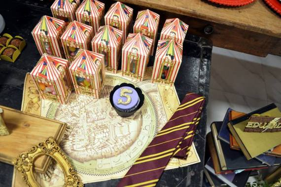Mystical-Harry-Potter-Birthday-Party-Snacks