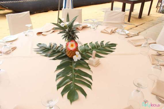 Tropical-Summer-Beach-Party-Centerpiece