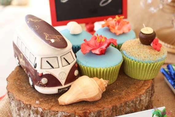 Tropical-Summer-Beach-Party-Cupcakes