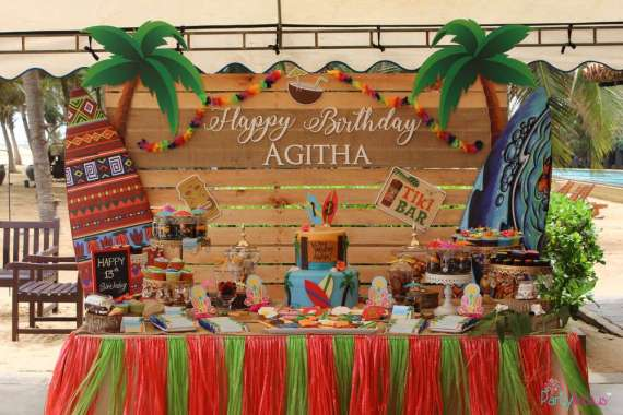 Tropical-Summer-Beach-Party-Snack-Station