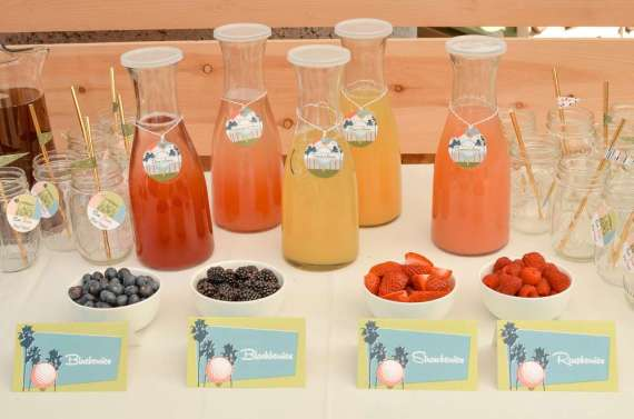 Palm-Springs-Inspired-Retro-Golf-Party-Drink-Table