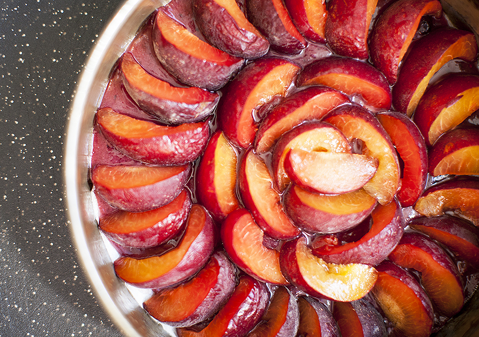 plum upside down cake – he reigns supreme