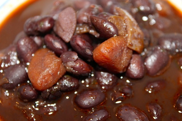 Dominican black beans recipe - Slow cooker version