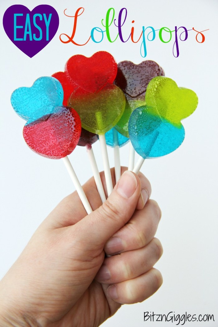 Easy Lollipops - these lollipops are made with only 1 ingredient! Kids have so much fun helping with these sweet treats!