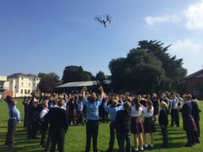 bizzibox-drone-flying-at-school