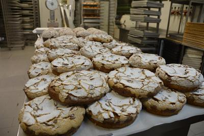 bread-store-bakery.jpg