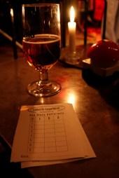 Aftenens quiz-sedler, klar til publikum