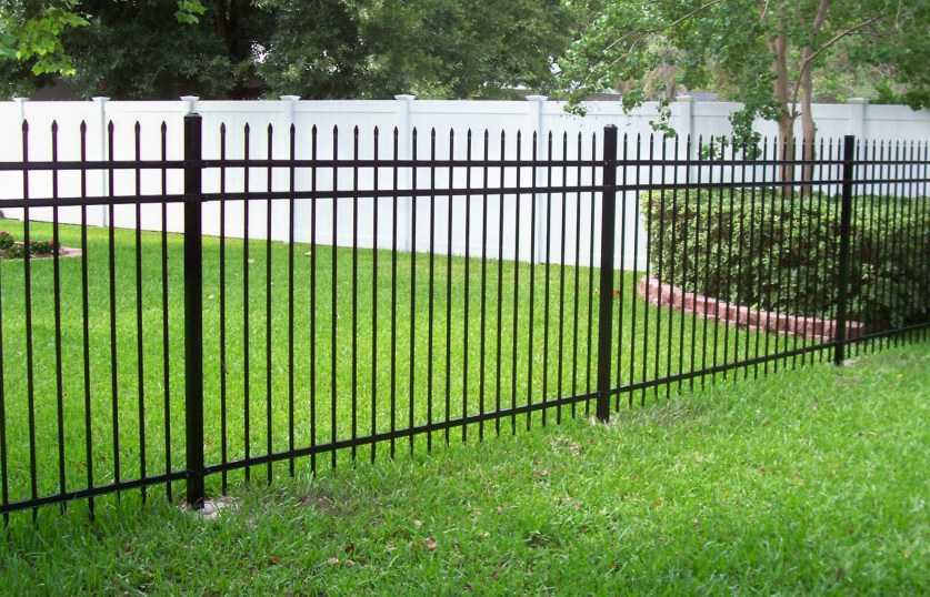 BK Outdoor Services Aluminum Fences
