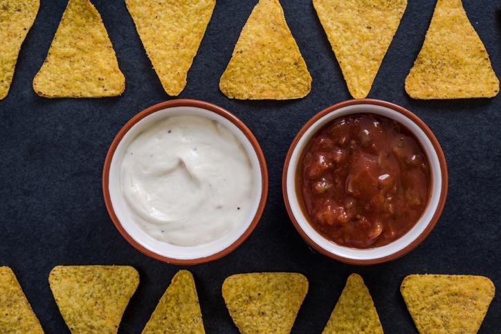 mexican nachos crisps with dip