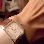 アールデコ風な腕時計のベルトを金属からトカゲ革に付け替えてより優雅な雰囲気になった