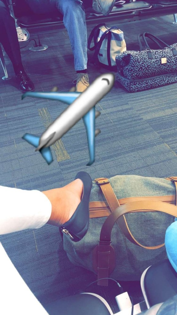 This is what all the cool kids do on snaphchat now while at the airport.