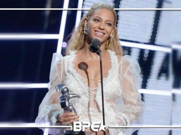 """""""Beyoncé uma das mais indicadas foi a maior vencedora da noite"""""""