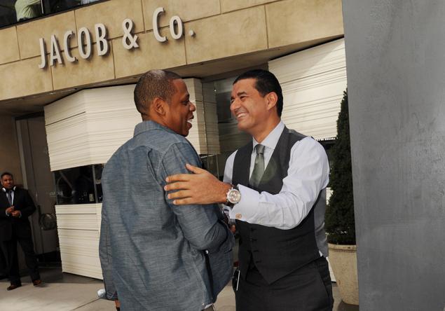 Jacob Arabo & Jay-Z na frente da Joalheria Jacob & Co.