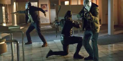"""In """"Legacies,"""" Arrow takes on a band of bank robbers that have a certain connection to his father and his company"""