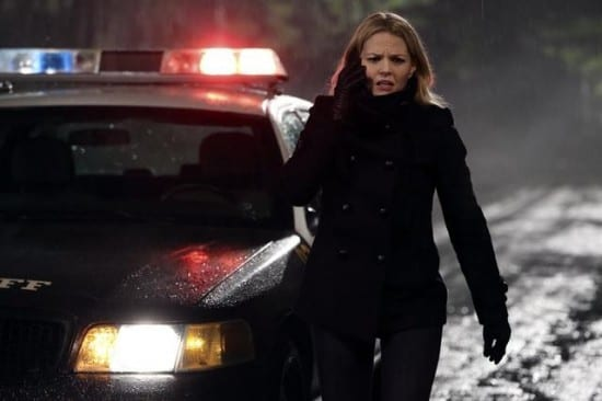 Emma (Jennifer Morrison) arrives at the crime scene.
