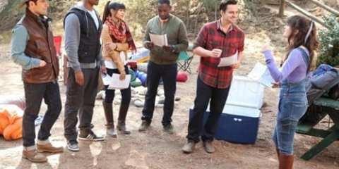 The gang decides to hold Thanksgiving outside in this weeks episode.
