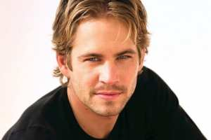 paul-walker-in-black-tshirt-fast-and-furious-1662047649
