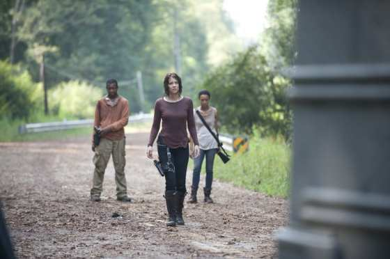 "Maggie (Lauren Cohan), Sasha (Sonequa Martin-Green), and Bob (Lawrence Gillard Jr) struggle with the decision to go to Terminus in ""Alone"""