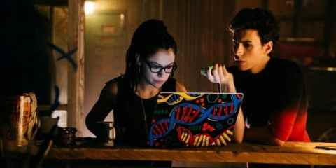 Cosima (Tatiana Maslany) and Felix (Jordan Gavaris) research project LEDA.