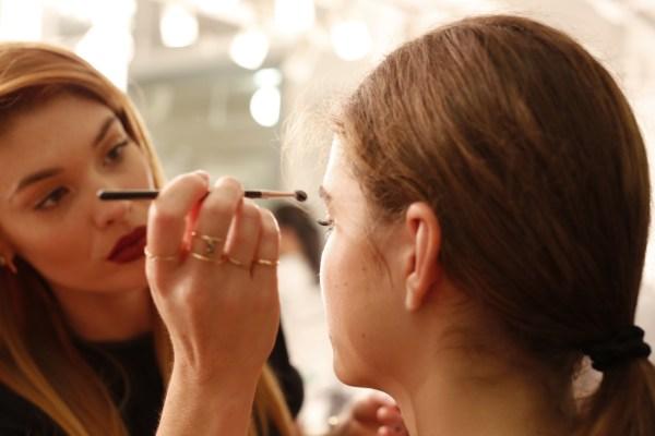 Global Celebrity Makeup Artist Lauren Andersen crafted the modern and minimalistic beauty look at the Elizabeth & James Spring 2014 Presentation