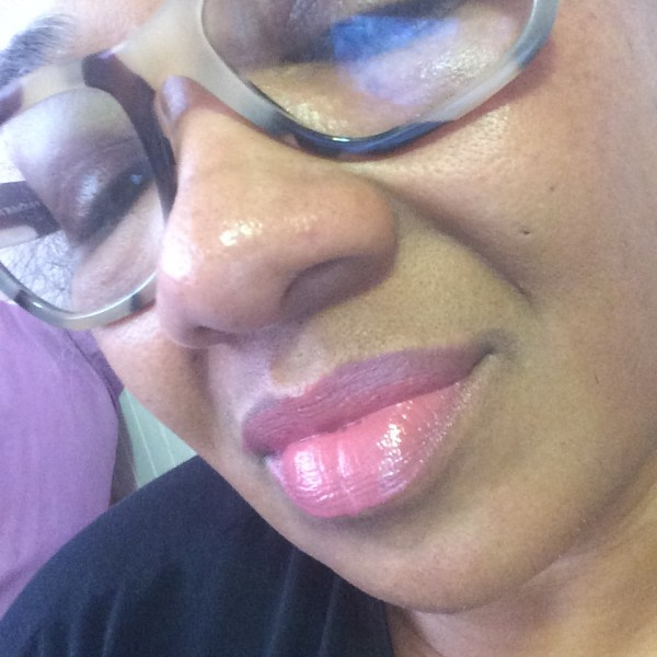 elfd conditionin lip balm in blissful berry