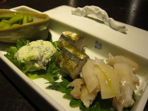 前菜盛り(豚足生姜・コハダ・枝豆ひたし・グリンピースクリームチーズ)