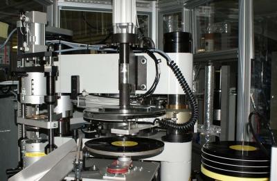 ソニーのアナログレコード国内生産再開、アニソンレコード流行の兆し?やっぱりレコードが一番!
