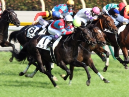 【競馬】 全馬追い込み馬でレースをしたら、どんな結果になるの?