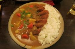 インドでも人気の日本のカレー屋…「スシなどと並んでクールな食べ物」