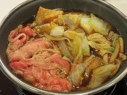 すき家、牛すき鍋定食を86円値下げ&生肉提供とりやめ