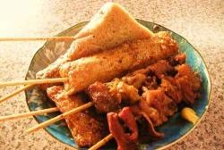 兵庫県の「姫路おでん」は食べる前にアレをかける!