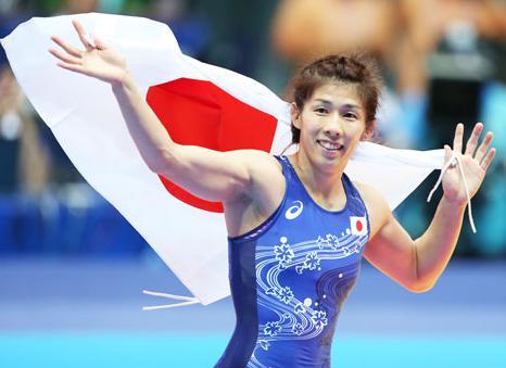 レスリング女子55キロ級の吉田沙保里、アジア大会4連覇 … オリンピックと世界選手権合わせると15連覇中
