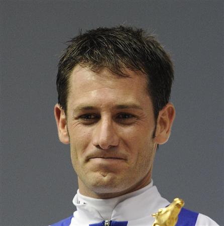 【競馬】 結局デムーロってフランスではカス扱いなの?