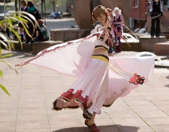 【画像あり】日本の女性コスプレイヤーってこういうの見て死にたくならないの・・・・・・?