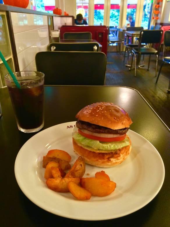【画像あり】本格的なバーガーショップのハンバーガー美味すぎワロタwwwwwwwwww