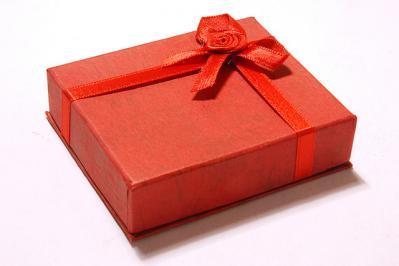誕生日プレゼントにイヤホンはあり?なし?