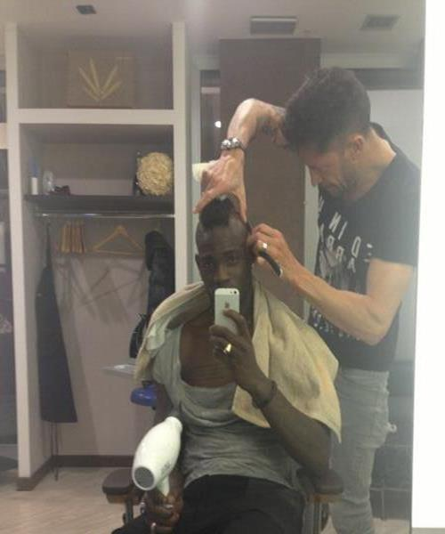 バロテッリ、髪型を世紀末仕様に変更
