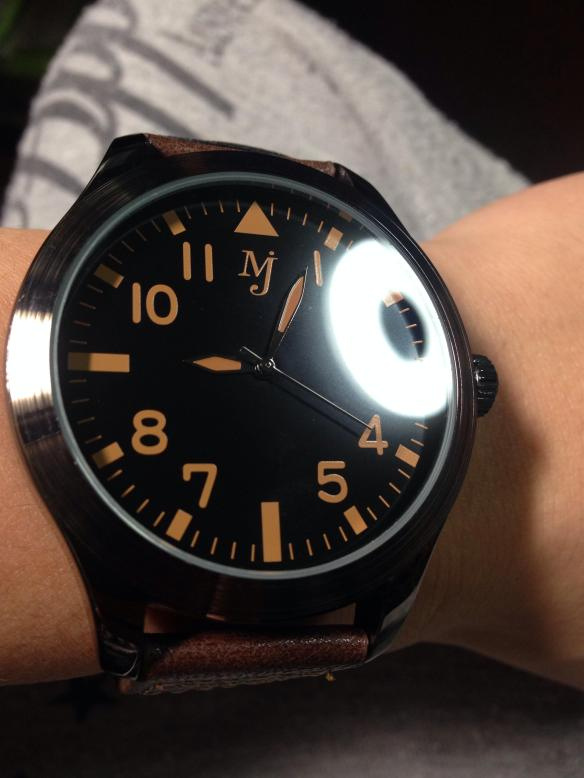 【画像あり】クレーンゲームで取った腕時計がダサいwwwwwwwww