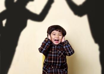 両親の喧嘩がトラウマ。未だに男性の怒声や女性の悲鳴を聞くと動悸が激しくなる