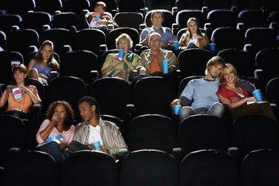 【映画館】そんな図々しい人が出てこないための座席指定だと思っていたのに…
