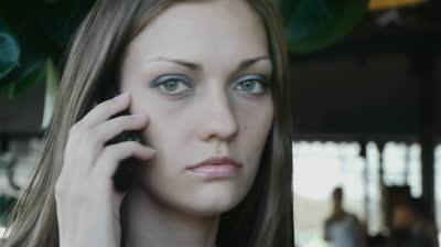 【武勇伝】女性が携帯で「ああ、私、沖縄に居るの。目の前は海だよ」。ここ愛知県なのに・・・