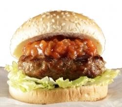 ローソンで店内調理のハンバーガー ビーフ100%「肉厚ビーフハンバーグサンド」発売