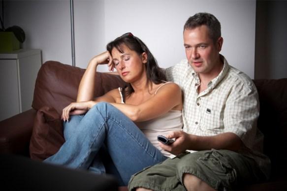 彼氏が楽しんでたテレビを、好きじゃないから変えろって言うのはOK?