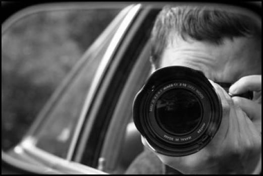 親戚のカメラに私と写る彼氏やら部屋で全裸の彼氏やらが大量に保存されていた