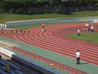 【競馬】 芝100mと芝10000mのレースで一番強い馬は?