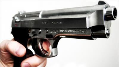 銃は犯罪に使われるから違法、じゃあ包丁や車や携帯は何故OKなの?