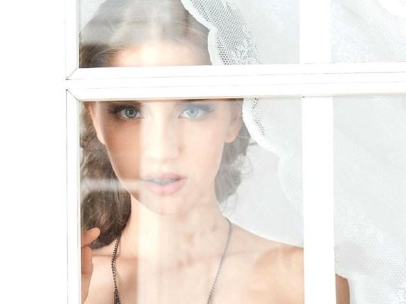 【画像】「ロシアで最もセクシーな女の子(18歳)」がヌードを披露、これはエロい