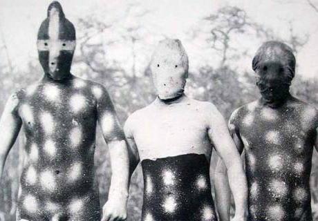 南米パタゴニアの絶滅した裸族「ヤーガン族」の異様な風貌&超センス … 「彼らが同じ世界に住む仲間であるとは信じられない」 (画像あり)